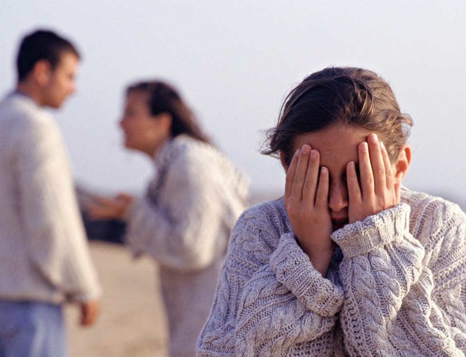 Подростковый возраст детей провоцирует развитие семейного кризиса
