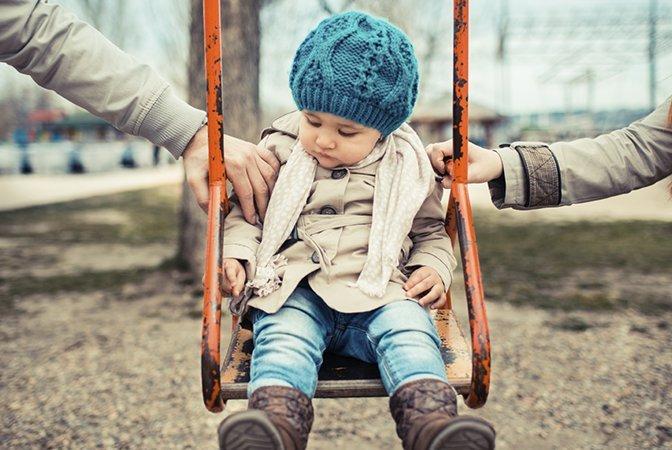 Последствия гиперопеки проявят себя в более взрослом возрасте