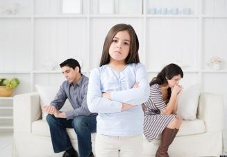 как помочь ребенку пережить период развода родителей
