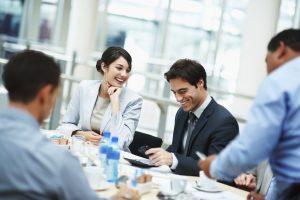 Общение и коммуникации улучшают позицию вашего статуса
