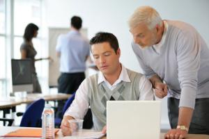 В период овладения специальностью человек постоянно учится, приобретая нужную квалификацию