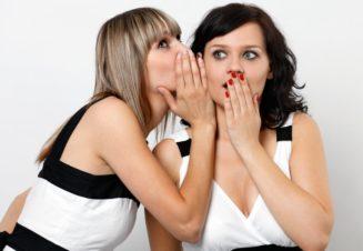 Умение распускать сплетни – сложный и необходимый социальный навык
