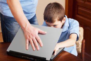Что делать родителям, когда их дети попадают в зависимость от своих гаджетов