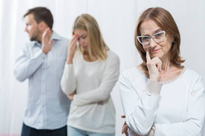 Как наладить отношения со свекровью и не испортить с мужем