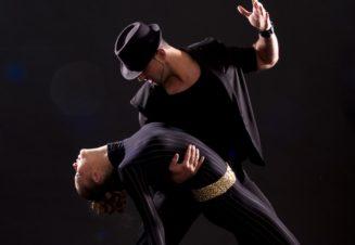 Учимся танцевать, чтобы научиться обниматься
