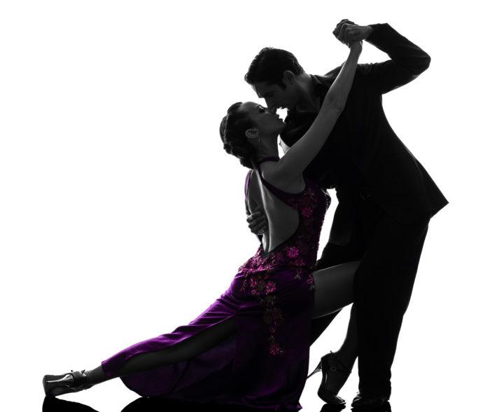Объятия в танце. Как принято обниматься в разных странах