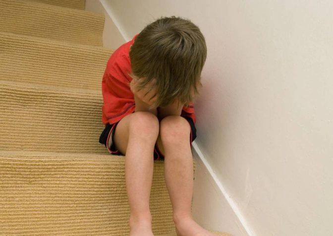 Эмоциональные травмы детского возраста оказывают влияние в течение всей жизни