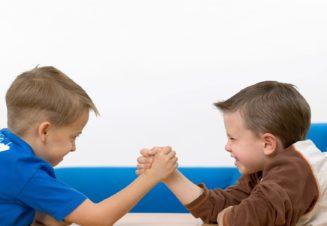 Сравнивая детей со сверстниками, мы закладываем в них тягу к соперничеству, которое не всегда полезно