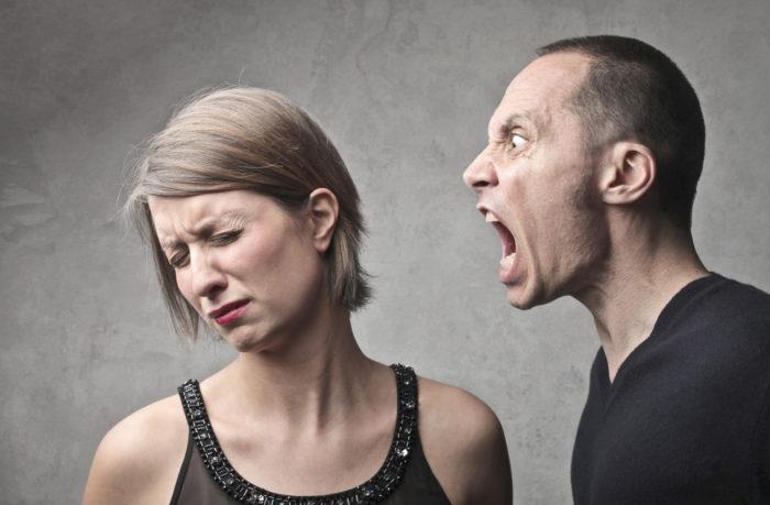 Тиран тяготеет к психологическому доминированию и тотальному контролю