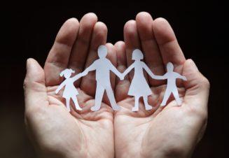 Правильное распределение ролей в семье – первоочередное условие эффективного воспитания ребенка.