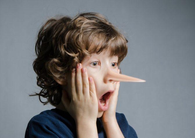 Ложь присуща всем детям, но в некоторых случаях она свидетельствует о серьезных психологических проблемах