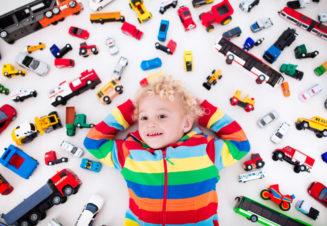 Игрушки необходимы каждому ребенку, с их помощью он знакомится с окружающим миром.