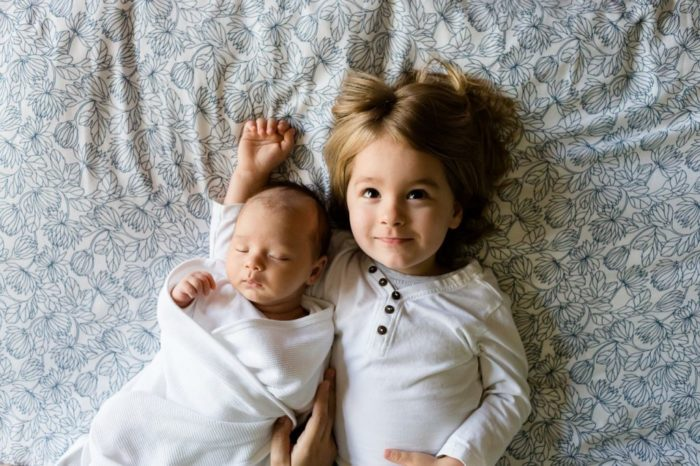 С рождением второго ребенка в семье происходят тихие потрясения, к которым важно быть готовым