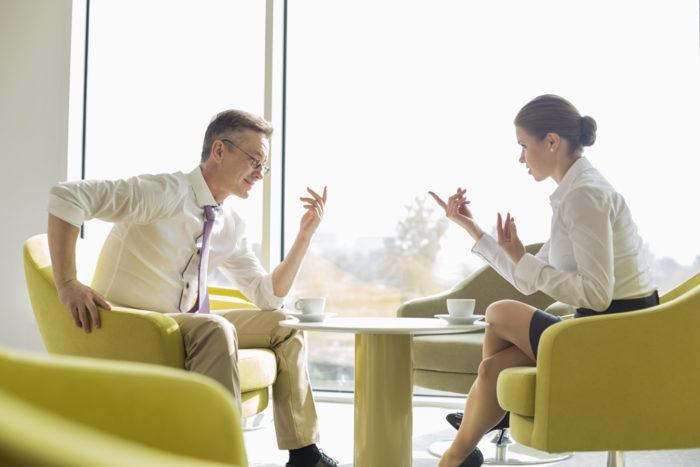 Психологические приемы, которые помогут начать и поддерживать интересную беседу