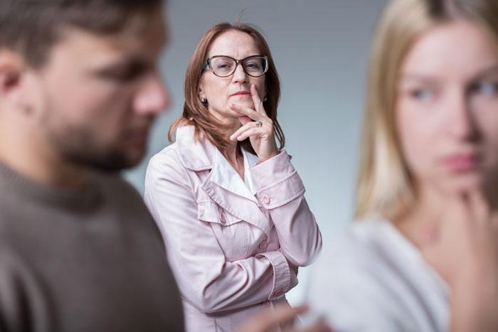Вмешательство родителей в личную жизнь семьи частая причина расторжения браков
