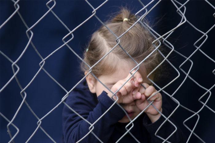 Виктимность может являться следтствием родительской чрезмерной опеки