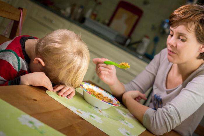 В возрасте трех лет все дети проявляют упрямство и несогласие, которое ошибочно трактуют как непослушание