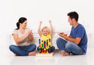 Похвала важна для каждого ребенка, но она требует грамотного подхода со стороны родителей