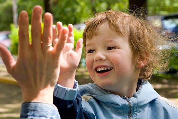 Конструктивная похвала – это когда хвалят не личность ребенка, а его поступки, достижения и даже неудачи